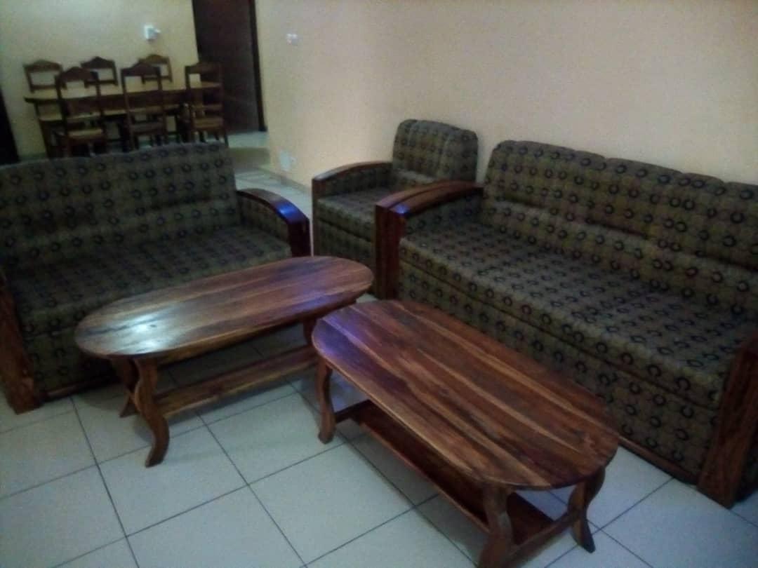 annonces classees et buniness. Black Bedroom Furniture Sets. Home Design Ideas